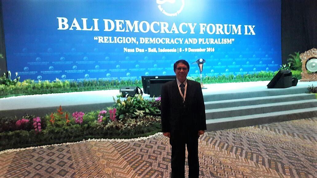 Sunten Z. Manurung (UBL) ikuti Bali Democracy Forum IX di Bali