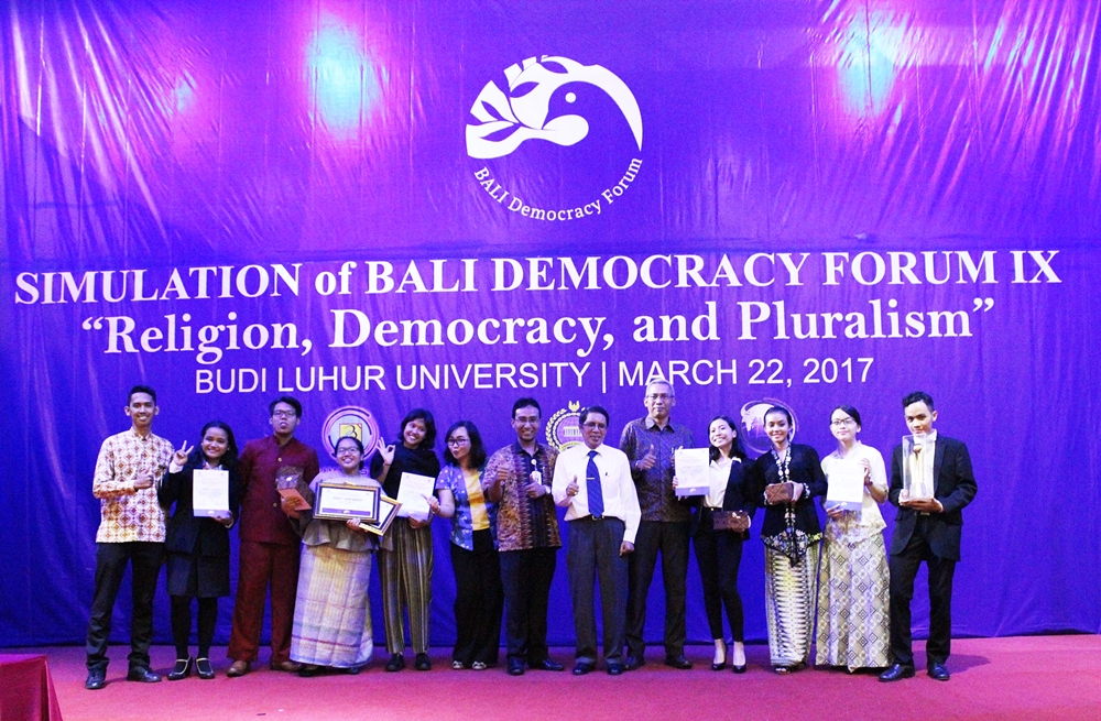 "[:en]Junior Short Diplomatic Course 2017: Bali Democracy Forum IX: ""Religion, Democracy and Pluralism"". [:]"