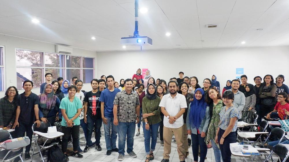 """Kuliah Umum Prodi HI, """"Pandangan Nasional terhadap Perusahaan Multinasional"""" oleh Dr. Tatok D. Sudiarto, MIB (10/11/12)"""