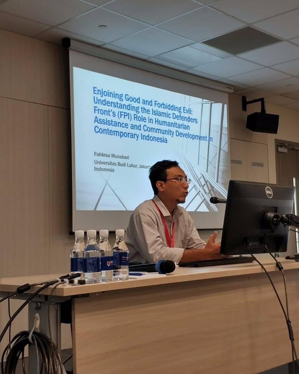 Dekan FISIP Universitas Budi Luhur, Fahlesa Munabari, M.A., Ph.D., telah menyelesaikan program Academic Visitor di Asia Research Institute, National University of Singapore