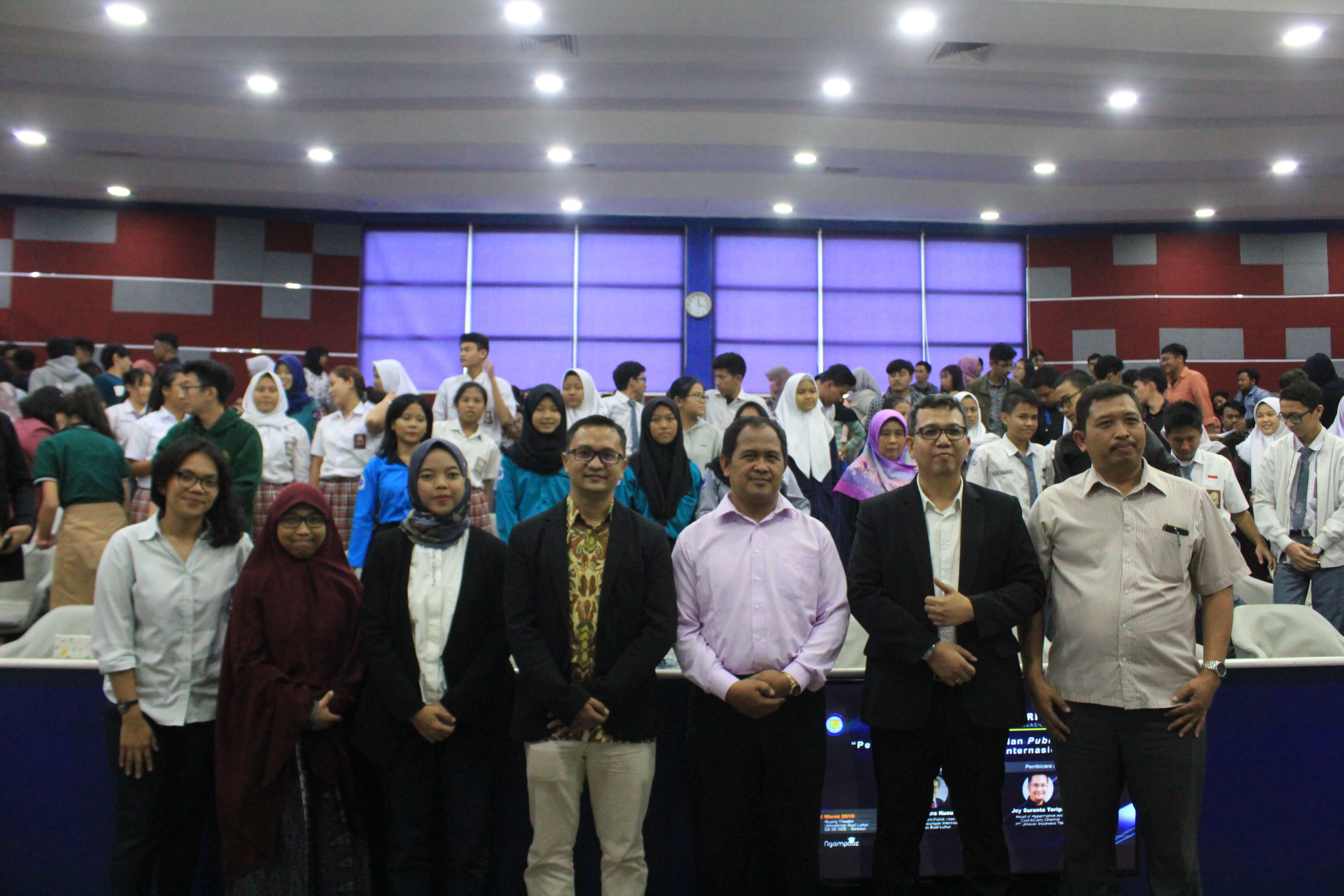 """FISIP Seminar Series Prodi Hubungan Internasional: """"Perusahaan Multinational dan Public Speaking dalam Politik Bisnis Internasional"""""""